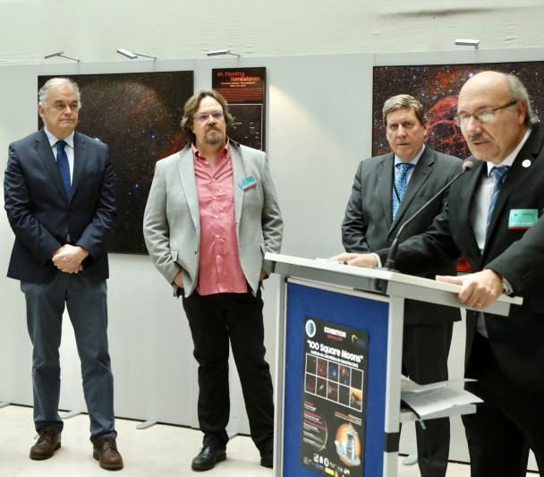 "Ramón Luis Valcárcel, Esteban González Pons, Alfred Rosenberg, Gabriel Mato and Rafael Rebolo during the opening of the exhibition ""100 square moons"" in the European Parliment"