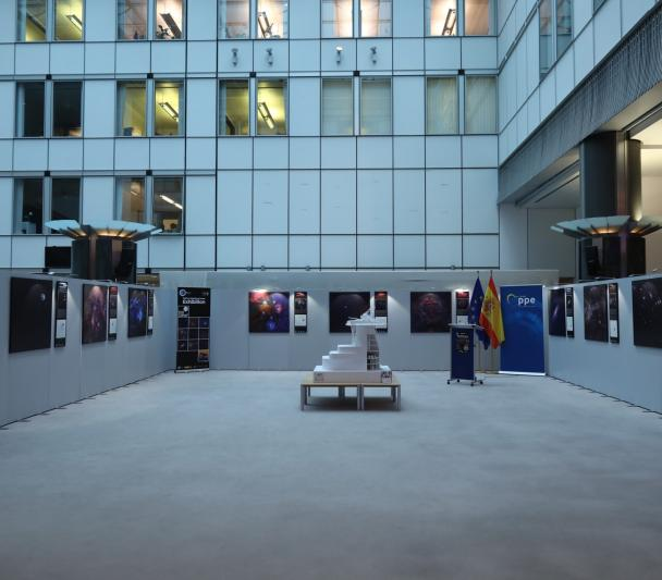 "Exhibition ""100 square moons"" and model of the future European Solar Telescope in the European Parliament"