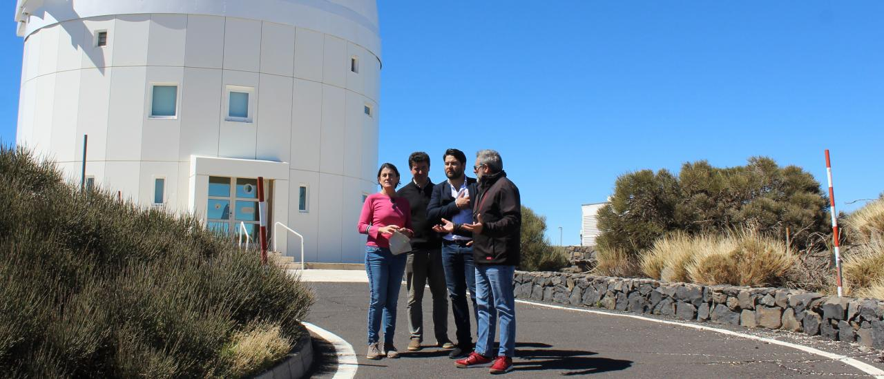 The deputy director of the IAC, the head of Economic and Legal Affairs of IACTEC, the mayor of Güímar and the manager of the Teide Observatory in front of the OGS
