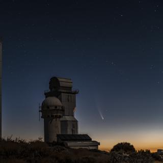 Comet C/2020 F3 (NEOWISE) at the Teide Observatory. Credit: Miquel Serra Ricart (IAC)